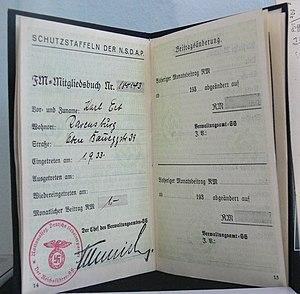 "Förderndes Mitglied der SS - The ""Fördernden Mitglieds der SS"" membership book of Karl Erb."