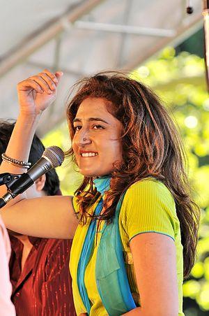 Kiran Ahluwalia - Kiran Ahluwalia performing