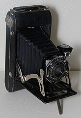 Kodak junior six-20 series II front.jpg