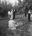 Koningin Juliana bezoekt de Rijks Landbouw Hogeschool te Wageningen vanwege het , Bestanddeelnr 904-7648.jpg
