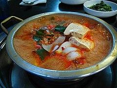 Korean.food-kimchi.jjiggae-01.jpg