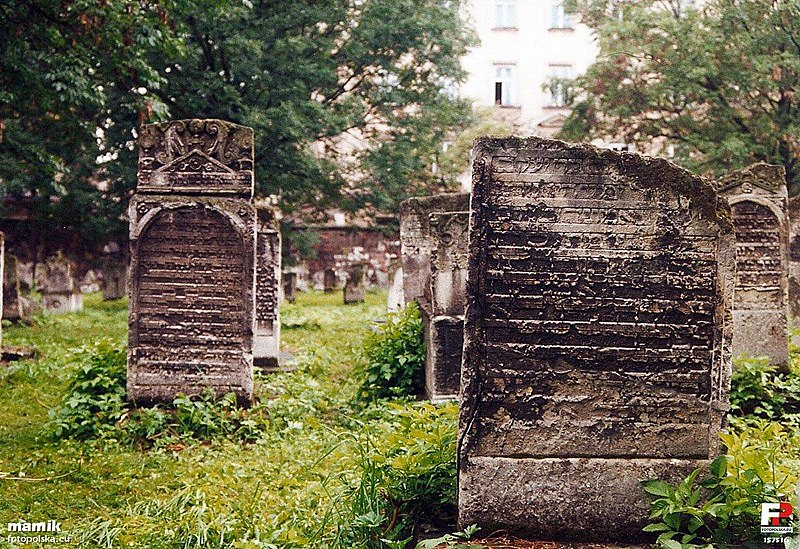 Cimetière Remuh dans le quartier de Kazimierz à Cracovie - Photo de Mamik.