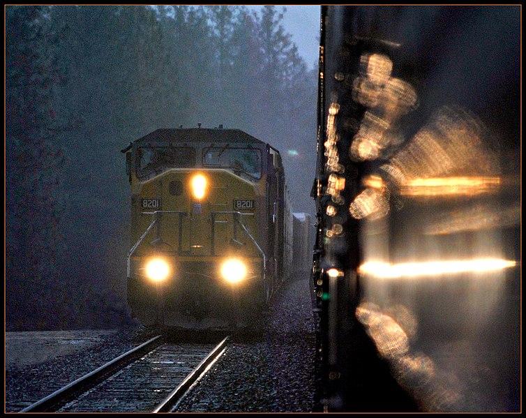 File:LIGHT - Turning day into night - panoramio.jpg