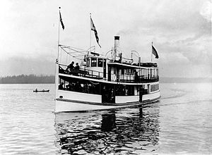 LT Haas running on Lake Washington ca 1911.JPG