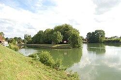 La Meuse, kruising Canal de La Meuse.JPG