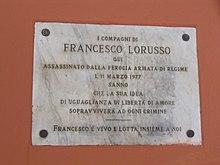 Lapide in ricordo dell'uccisione di Francesco Lorusso a Bologna