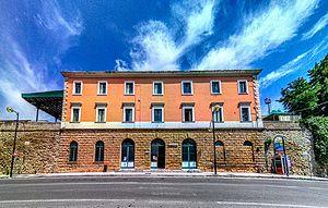 Larino railway station - Image: Larino La stazione