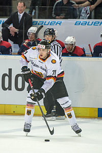 Leon Draisaitl Team Deutschland by 2eight DSC0761.jpg
