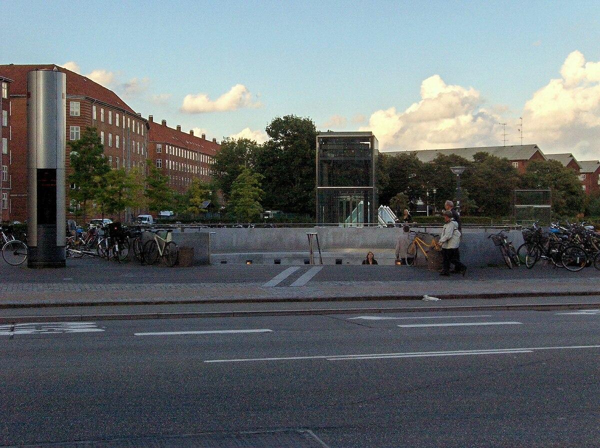 Lergravsparken Station