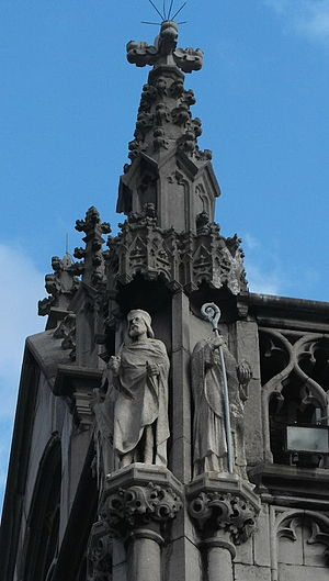 Pepin of Landen - Pepin of Landen and his contemporary Remaclus at the façade of the provincial palace in Liège