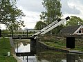 Lift Bridge over the Oxford Canal at Thrupp - geograph.org.uk - 30481.jpg