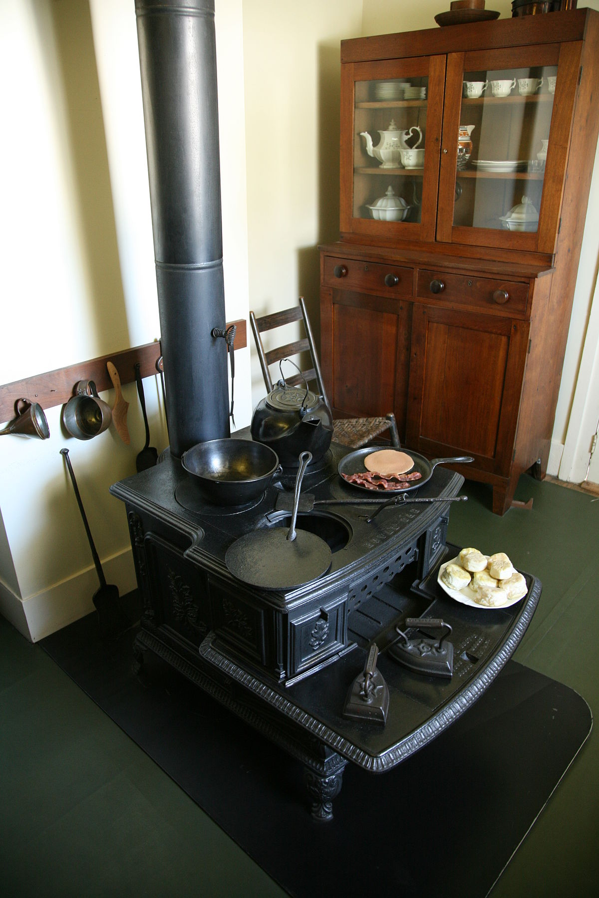 Wood-burning stove - Wikipedia