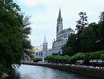 Lourdes with Sanctuaries, Castle and Gave de Pau.JPG