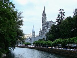 Lourdes with Sanctuaries, Castle and Gave de Pau.JPG