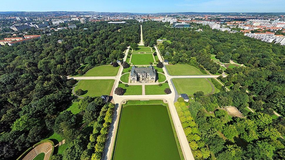Luftbildaufnahme des Großen Gartens in Dresden
