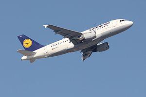 Lufthansa A319 D-AILS.JPG