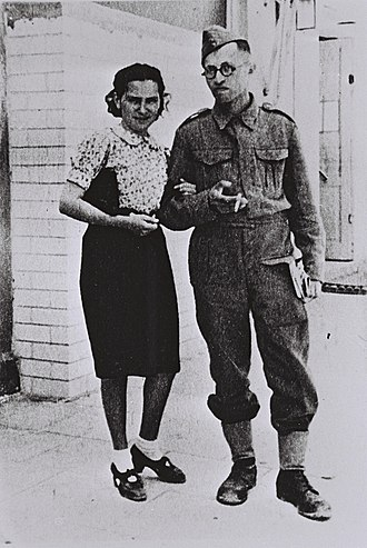Menachem Begin - Begin in his Polish Army uniform with his wife Aliza in Tel Aviv, December 1942.