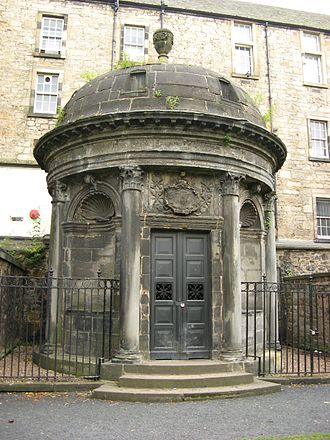 George Lockhart, Lord Carnwath - Lockhart is buried in the tomb of Sir George Mackenzie, in Greyfriars Kirkyard