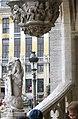 Mairie Bruxelles (décoration) sculpturale 1er Mai 2006 - panoramio.jpg