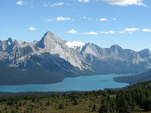 Maligne Lake - Maligne Lake and Maligne Mountain