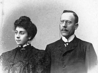 Manuel Lugris e dona
