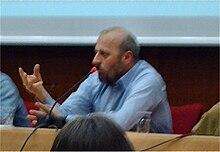 Paolini durante un incontro a Galassia Gutenberg 2008