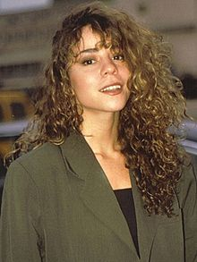 Wikipedia: Mariah Carey at Wikipedia: 220px-Mariah_Carey_1990_cropped