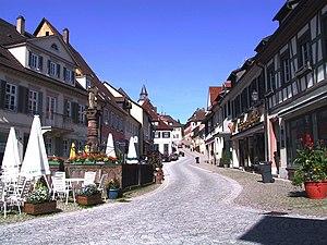 Gernsbach - Image: Marktplatz mit oberem Stadtbuckel von Der Bruzzla