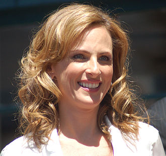 Blue's Clues - Actress Marlee Matlin, shown here in 2009, appeared in several Blue's Clues episodes introducing American Sign Language to its young viewers.