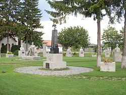 Marossárpatak-Glodeni memorial park - Heroes.JPG