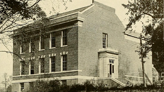 Marshall Hall (Amherst, Massachusetts)