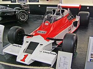 McLaren M26 - Image: Mc Laren M26 Donington