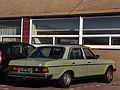 Mercedes-Benz 200 E (10038518026).jpg