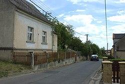Miřejovice, hlavní silnice II.jpg