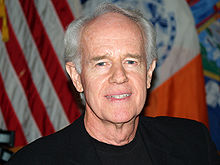 Description de l'image  Mike Farrell by David Shankbone.jpg.