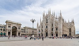 Milano, Duomo with Milan Cathedral and Galleria Vittorio Emanuele II, 2016.jpg