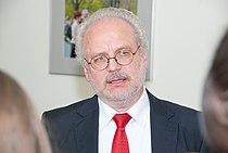 Ministru prezidents Valdis Dombrovskis tiekas ar Eiropas Kopienu tiesas tiesnesi Egilu Levitu (7995453799).jpg