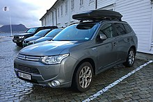 The Mitsubishi Outlander P Hev Is World S All Time Best Ing Plug In Hybrid With 200 000 Units Sold Worldwide By April 2019