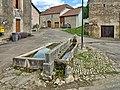 Mont-le-Vernois, la fontaine-lavoir-abreuvoir.jpg