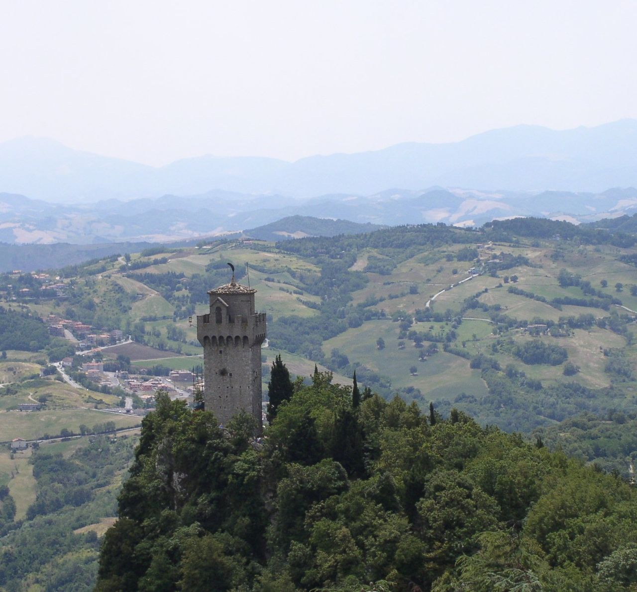 Montale, the Third Tower of San Marino – from http://commons.wikimedia.org/wiki/User:Alaexis, under Creative Commons CC BY-SA 2.5