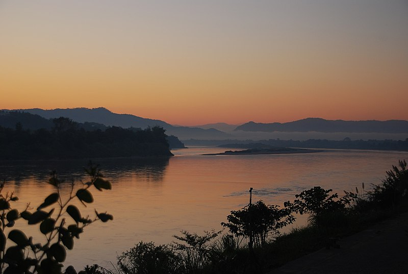 File:Morning view over the Mekong river.jpg