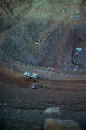 Goldsworthy, Western Australia - Image: Mount Goldsworthy pit in 1978