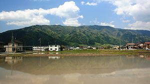 Mount Ikeda from east 2010-5-1.JPG