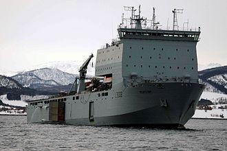 Dock landing ship - Image: Mounts Bay (L3008)