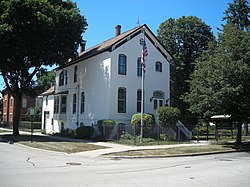 Muller House (Arlington Heights, IL) 01.JPG