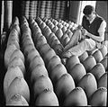 Munitions Production in Britain, 1940 D659.jpg