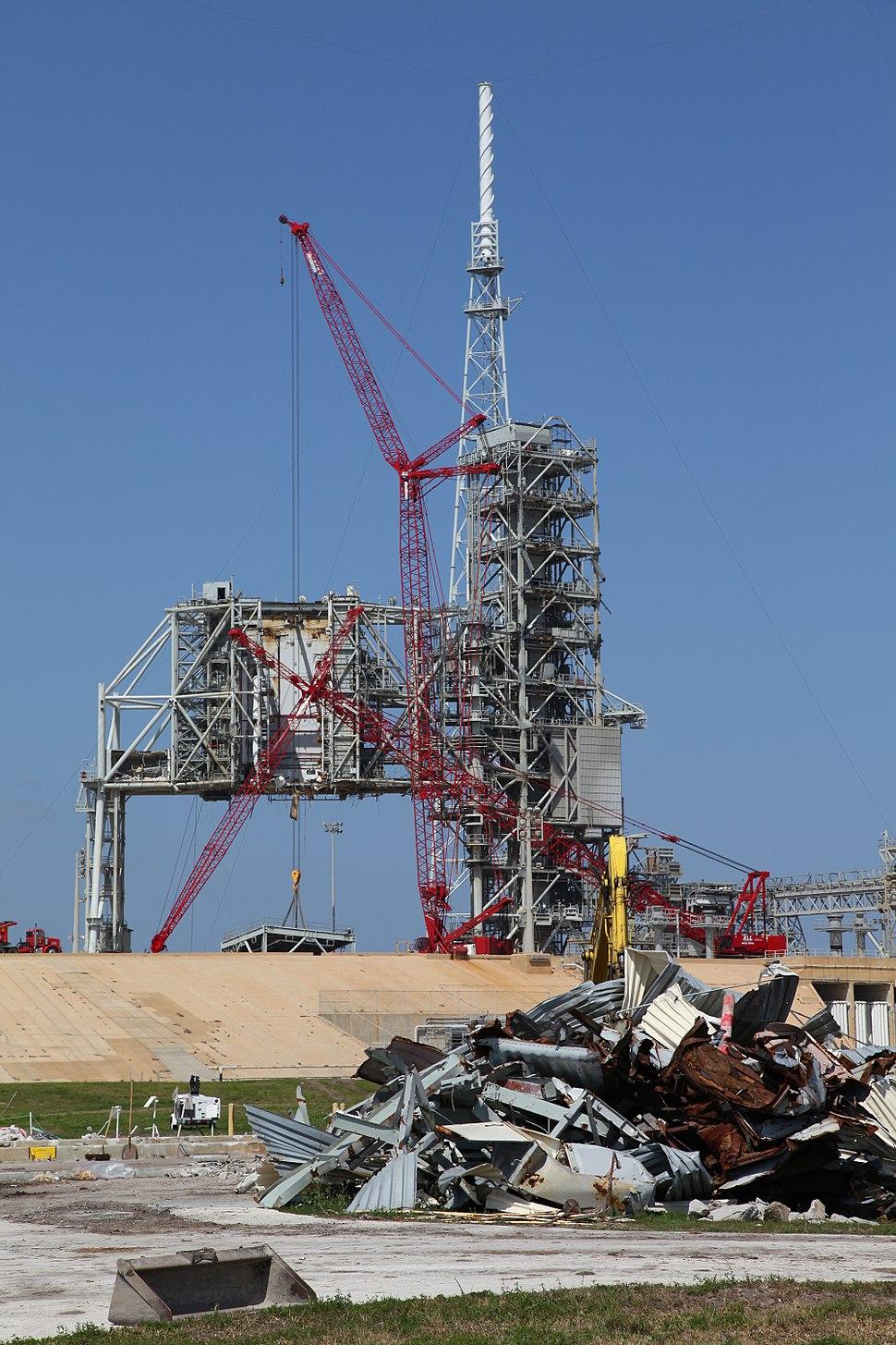 NASA LC39B deconstruction