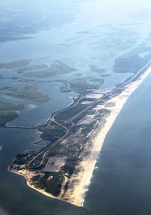 Jones Beach State Park - Image: NY Long Island with East Bay and Jones Beach State Park IMG 1956