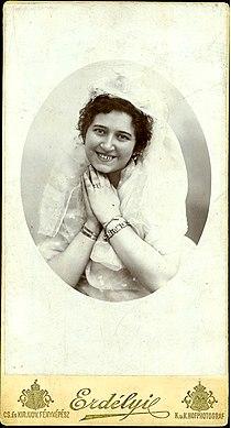 Nagy Bella Erdélyi 1899.jpg
