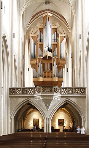 St. James's Church, Rothenburg ob der Tauber - The nave with the organ